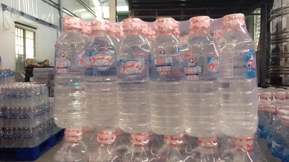 Nước tinh khiết chai 250ml/thùng/lốc 24c (mẫu chai tròn)