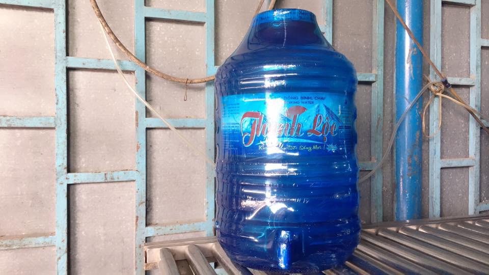 Nước uống tinh khiết đóng bình 20lit có vòi
